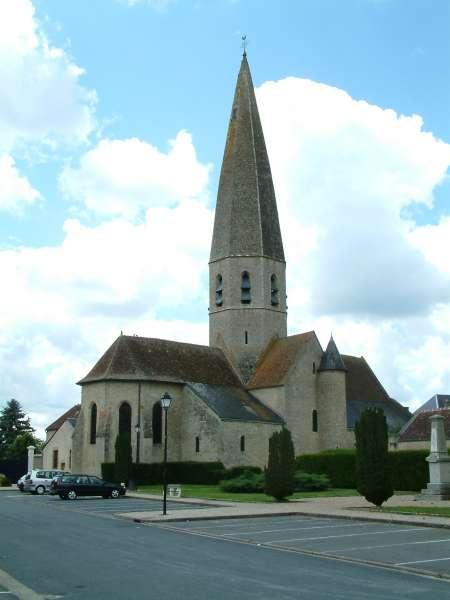 image de L'église Notre-Dame et son clocher de pierre