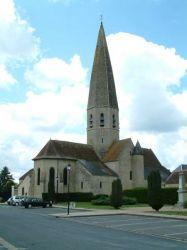 L'église Notre-Dame et son clocher de pierre
